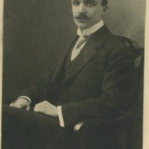 Album_de_la_promotion_1911.jpeg